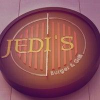 Foto tirada no(a) Jeti's Burger & Grill por Marthiella A. em 6/17/2015