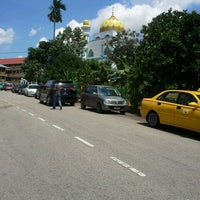 Photo taken at Masjid Kampung Melayu by Mohamad Azrin A. on 10/26/2012