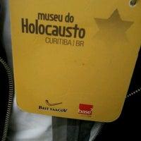 Foto tirada no(a) Museu do Holocausto de Curitiba por Willian B. em 3/17/2013
