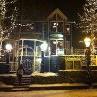 Foto tomada en Hearthstone Restaurant por Kayleigh S. el 2/21/2013