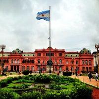 Foto tirada no(a) Casa Rosada por Minh T. em 4/11/2013