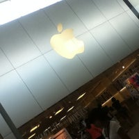 8/19/2013에 David R.님이 Apple Memorial City에서 찍은 사진