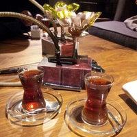 10/4/2014 tarihinde Şebnem U.ziyaretçi tarafından Merdiven Cafe & Restaurant'de çekilen fotoğraf