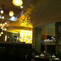 Foto scattata a Jsix Restaurant da PSU-Lion D. il 12/13/2012