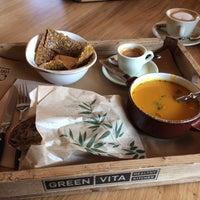 Foto tomada en GREEN VITA Healthy Kitchen por Коала Л. el 2/16/2017