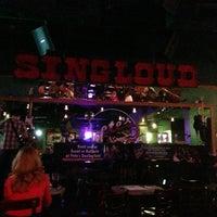 Photo prise au Pete's Dueling Piano Bar par Fernando le9/15/2013