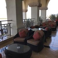 Photo taken at Lobby Lounge by Ulf B. on 11/19/2017