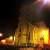 Photo taken at Igreja Matriz de São Miguel e Almas by Thiago C. on 1/4/2016