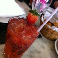 Photo prise au Canal 4 Restaurante e Pizzaria par Rosa Shok (. le11/2/2012