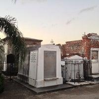 Снимок сделан в St. Louis Cemetery No. 1 пользователем Donald 10/24/2012