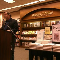 Photo taken at Barnes & Noble by Brianne B. on 8/14/2013