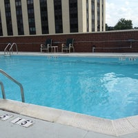 Photo taken at Holiday Inn Arlington At Ballston by Jeri W. on 8/31/2013