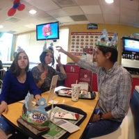 Photo taken at Burger King by Keny S. on 5/7/2014