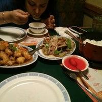 Photo taken at Golden Wok Chinese Restaurant by Sridhar K. on 3/15/2014