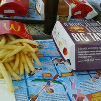Photo taken at McDonald's by Vinicius O. on 11/6/2012