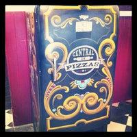 Photo taken at Central de Pizzas Polanco by Queto on 10/17/2012