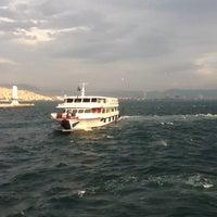 12/2/2012 tarihinde fundiziyaretçi tarafından Karşıyaka Vapur İskelesi'de çekilen fotoğraf