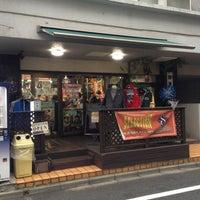 Das Foto wurde bei SELECTION 新宿店 ベースボール館 von 西方 政. am 12/28/2012 aufgenommen