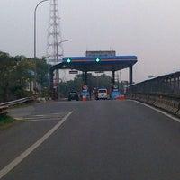 Foto scattata a Jalan Tol Jagorawi da Paulus T. il 9/23/2012