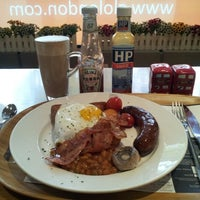 Photo taken at glo London Bakery Café by Shanghai H. on 10/28/2012