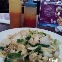Photo taken at Solaria by Uut M. on 10/21/2014