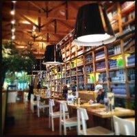 Das Foto wurde bei Social House Restaurant von Fhd A. am 6/8/2013 aufgenommen