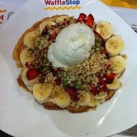 รูปภาพถ่ายที่ WaffleStop โดย Nazan R. เมื่อ 4/1/2013