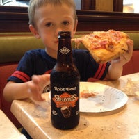 Photo taken at Vincent's Italian Restaurant & Pizzeria by Patrick D. on 8/20/2015