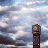 Photo taken at Upper Oakville Shopping Centre by Jemuel D. on 9/29/2012