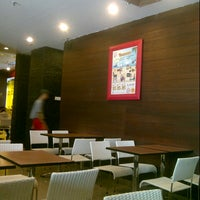 Photo taken at Hoka Hoka Bento by Hendi W. on 3/7/2014