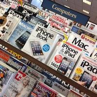 Foto tomada en Barnes & Noble por Alvaro C. el 12/15/2012