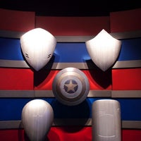 Photo taken at Captain America: The Living Legend and Symbol of Courage by MikaelDorian on 9/19/2014