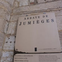 Photo prise au Abbaye de Jumièges par MikaelDorian le10/19/2014