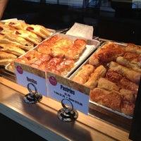 Foto tomada en Zaza New Cuban Diner por Jen B. el 10/18/2012
