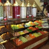 11/11/2012 tarihinde the_hendersonsziyaretçi tarafından Şekerci Cafer Erol'de çekilen fotoğraf