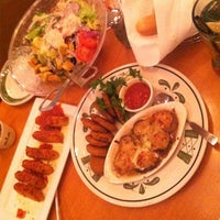 Photo taken at Olive Garden by Desiree' D. on 1/11/2013