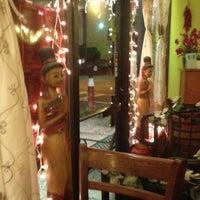 Foto tomada en Boonsong Thai Cuisine por Kevin C. el 10/19/2012