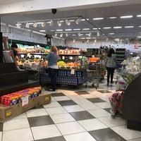 Photo taken at Hirota Supermercados by Felipe A. on 7/29/2017