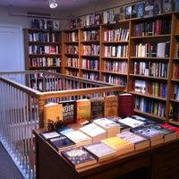 Foto tirada no(a) Bridge Street Books por Don em 12/8/2012