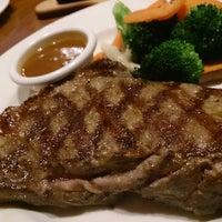 4/9/2013にHidenori S.がOutback Steakhouse 池袋店で撮った写真