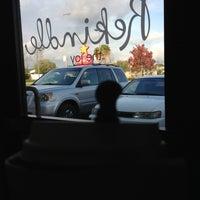 Снимок сделан в Starbucks пользователем Krissy J. 12/23/2012