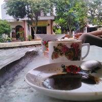 Photo taken at Cafe pojok Margiati by kunto#81 on 4/11/2014