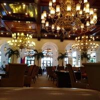 Das Foto wurde bei Manila Hotel von Angela L. am 7/5/2013 aufgenommen
