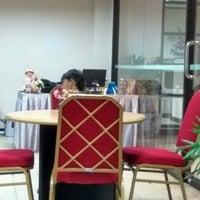 Photo taken at Makassar Golden Hotel (MGH) by Gleen J. on 2/2/2017
