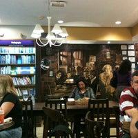 Foto tirada no(a) Café Baroni por Aline R. em 4/26/2013