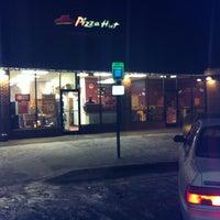 Photo taken at Pizza Hut by Matthew F. on 1/26/2013