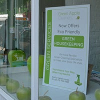 Photo taken at Green Apple Cleaners by Eliane v. on 5/31/2013