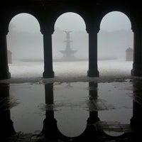Foto scattata a Bethesda Fountain da Eliane v. il 2/9/2013