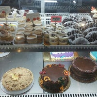 Photo taken at Starry Night Bakery by Frank S. on 11/28/2015