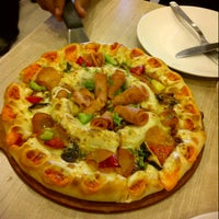 Photo taken at Pizza Hut by Myra S. on 5/1/2013